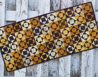 Quilted Table Runner - Triple Box - Cahoots (HTRG)