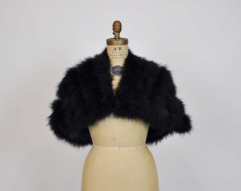 1970s vest / Vintage 70's Disco Queen Marabou Cape Shrug