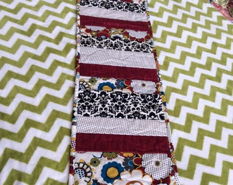 Table runner-quilted table runners-peiced table runners-red table runners-floral table runners