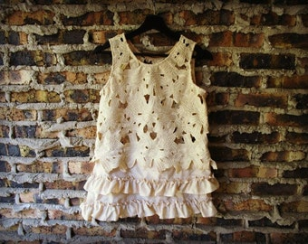 Med. Tea Stained Lace Ruffled Sleeveless Tank Top// Upcycled Recycled// emmevielle