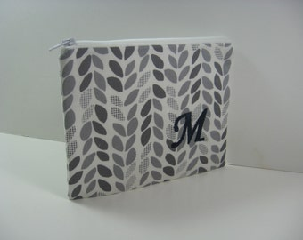 Embroidered Makeup Bag - Personalized Clutch,- Monogrammed Zipper Pouch - Made to Order - Small