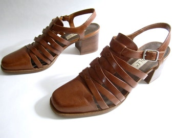 vintage 1990s WOVEN caramel brown leather CLOGS mules sandal heels cage bandage weave womens 7 1/2 DESERT festival style gypsy boho chic