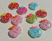 "Apple Buttons - Bright Colors Large Apples Button - Flower Pattern - 1"" Wide - 10 Assorted Buttons"