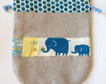 Linen kinchaku pouch -  baby elephant with mom