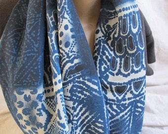 Blue Printed Infinity Scarf, Cowl, Circle Scarf, Loop Scarf, Fabric Scarf, Fabric Cowl, Lightweight Scarf, Lightweight Cowl, Summer Scarf