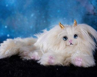 Custom Cat-Like Magical Posable Creature