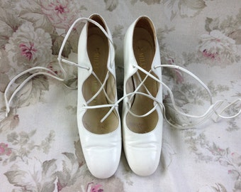 1960's 70's white ankle strap pumps I. Miller Galleria Made in Italy 8AA Narrow Mod Bride