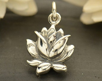 NEW - Textured Blooming Lotus Necklace - Solid 925 Sterling Silver Medium Renge Flower Charm - Free Domestic Shipping