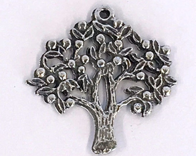 Apple tree made in  Australian with lead free pewter Z745