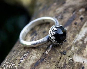 Gothic Ring with Black onyx gemstone  - Elegance -