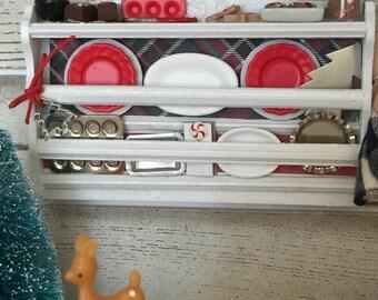 Miniature Dollhouse Plate Filled Plate Rack Shelf 1:12 scale