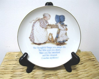 Vintage 1983 Porcelain HOLLY HOBBIE Lasting Memories Grandma Collectors Plate