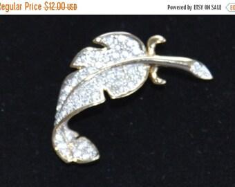 On sale Pretty Vintage Dainty Rhinestone Leaf Brooch, Gold tone