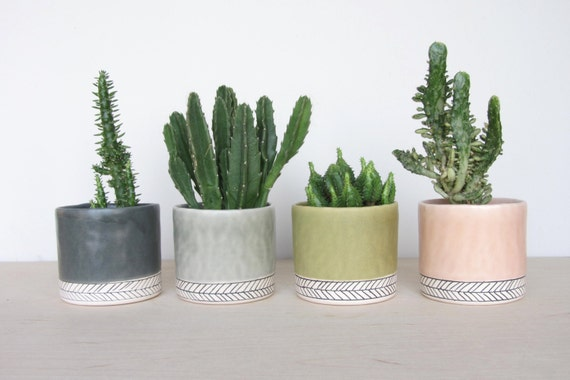 Small Round Herringbone Pinched Planter - Made to Order