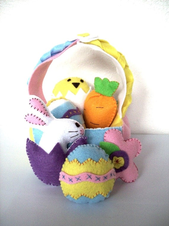 Easter Basket Felt Pattern - Instant Download - Felt Food and Toy Pattern with Eggs, Bunnies Ebook