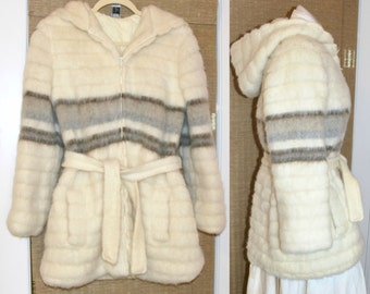 Vintage 70's Shaggy Wool Coat - Belt - Hood - Fully Lined - Belted Jacket - Thick - size 38