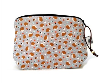 Zippered NOTIONS BAG with zipper pull -  Hedgehog Toss
