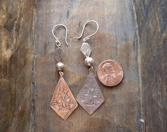 Lightweight drop earrings