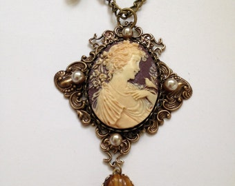 Magda in the Garden Victorian Necklace