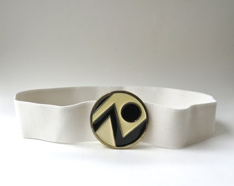 vintage White Elasticized Fabric Cinch Belt with Cream and Black Abstract Design Round Cloisonné Metal Buckle