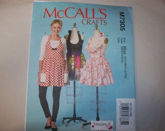New McCall's apron Pattern 7305  (Free US Shipping)