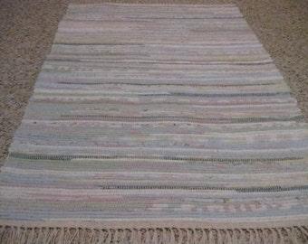 Handwoven Light Pastels Rag Rug 25 x 36 (M)