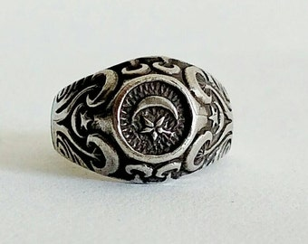 Vintage Ring | Crescent Moon | Star | Sterling Silver | Size 7 | Islam | Diana | Celestial | Archeoastronomy | Tanit | Masonic | Goddess