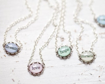 custom word bracelet -  Personalized word bracelet - Tiny charm bracelet, Custom word jewelry, Custom bracelet, Bridesmaids bracelet (BT010)