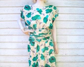 SALE 90s Silk Poppy Print Dress size Small Medium Ruching 40s Style Dress
