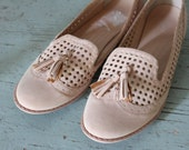 vintage NUDE pierced oxfords / vegan size 9 shoes