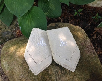 Set of 4 linen napkins with initial