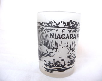 Vintage Niagara Falls Cup, Vintage Souvenir Cup, Vintage Measuring Cup,Glass Juice Cup,Frosted Glass,Vintage Collectibles,Tourist Attraction