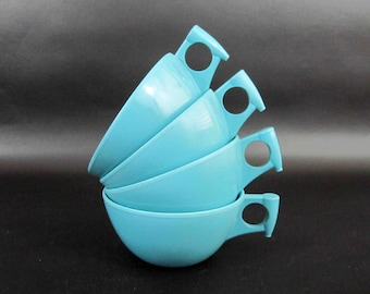 """Vintage 4 Piece Melamine Cup Set in Robins Egg Blue by """"Meldale"""". Circa 1950's - 60's."""