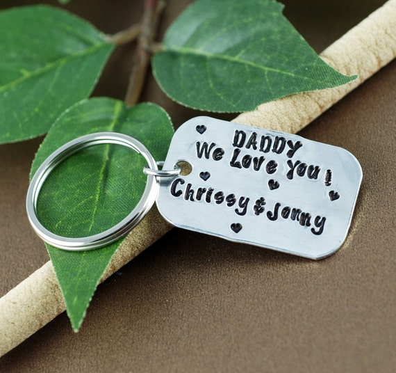 Father Keychain | Personalized KeyChain for Dad | Gift for Dad | Daddy we Love You | Daddy Key Chains | Gift for Him | KeyChain for Dad