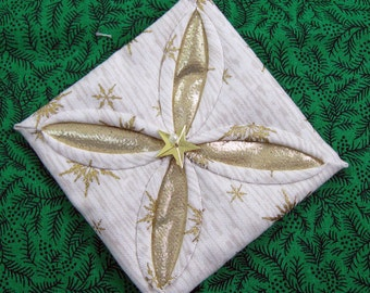 White and Gold Cathedral Window Quilted Christmas Ornament 307