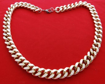 """Vintage chunky 24"""" shiny gold tone necklace in great condition, surprisingly lightweight"""