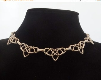 """20% off sale Vintage silver tone 14"""" modernist necklace in great condition"""