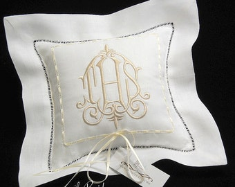 Wedding Ring Pillow, Ring Bearer Pillow in Irish Linen, Wedding Ring Cushion, Monogrammed Ring Pillow, Style 6151