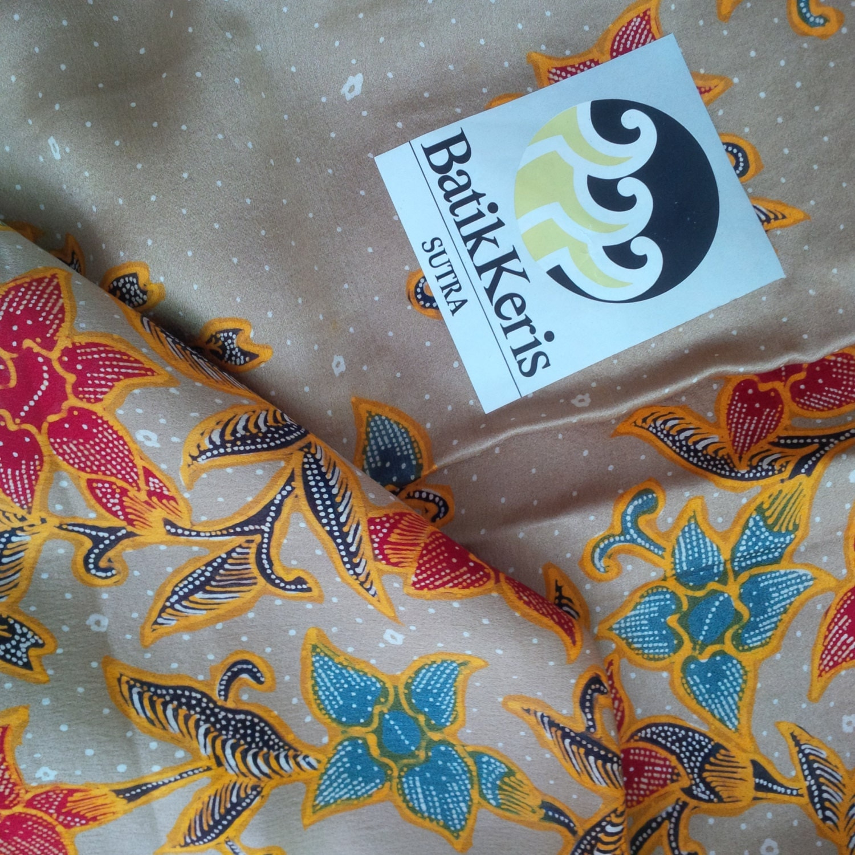 Authentic Indonesian Batik Silk Fabric With Beautiful Flowers