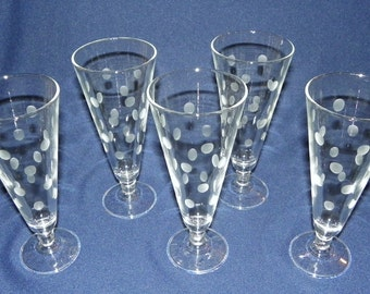 Etched Beer Glasses a Set of 6 Dot Etched 7 1/2 Inch Beer Glasses, 9 ounce