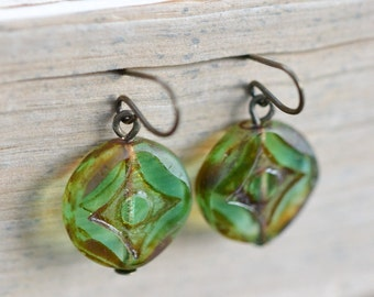 Light Green Antique Earrings / Czech Glass Beads / Brass / Neo Vintage Jewelry