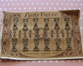 Card of Antique Lady Fayre Hooks and Eyes