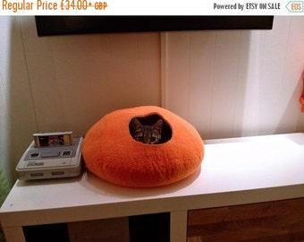 Summer SALE Cat Cave/ cat bed- handmade felt- Orange /Grey or all Orange- S,M,L,Xl + free felted balls