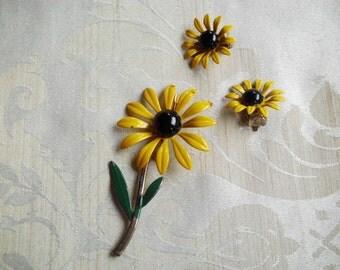 Vintage Yellow & Black Enamel Flower Power Set Earrings and Brooch