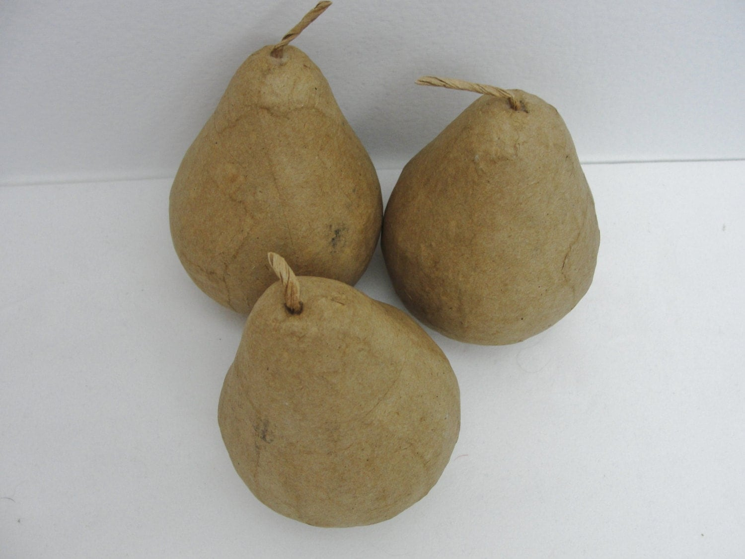 Paper mache pear life size pear set of 3 from for Life size kitchen set