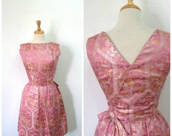 Vintage 1940s Pink Brocade Dress Mollie Parnis Luxury Metallic Gold and Silver Hourglass Cocktail Party dress Small