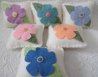 Primitive Flower Pincushion Wool Felt Pins Penny Rug Style Applique