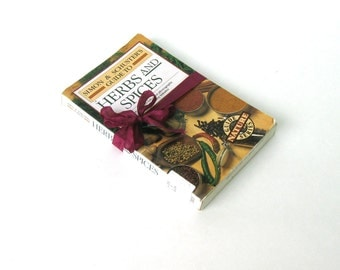 HERBS & Spices Simon and Schuster's Guide by Gualtiero Simonetti, Vintage Herb Book, Vintage Holistic Book, Medicinal, Herbalist Book,