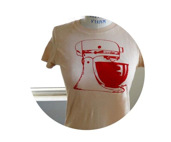 "Ladies kitchen Mixer tshirt ""Retro Mamma"" Ladies Mixer Tee Shirt in tan and red or custom colors"