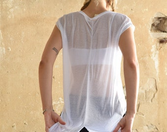 New Collection 2016! White delicate T-shirt , extra long back  tails
